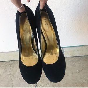 aldo block heel wedge in black and gold size 10